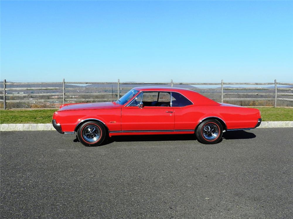 1967 OLDSMOBILE 442 2 DOOR COUPE - Side Profile - 138449