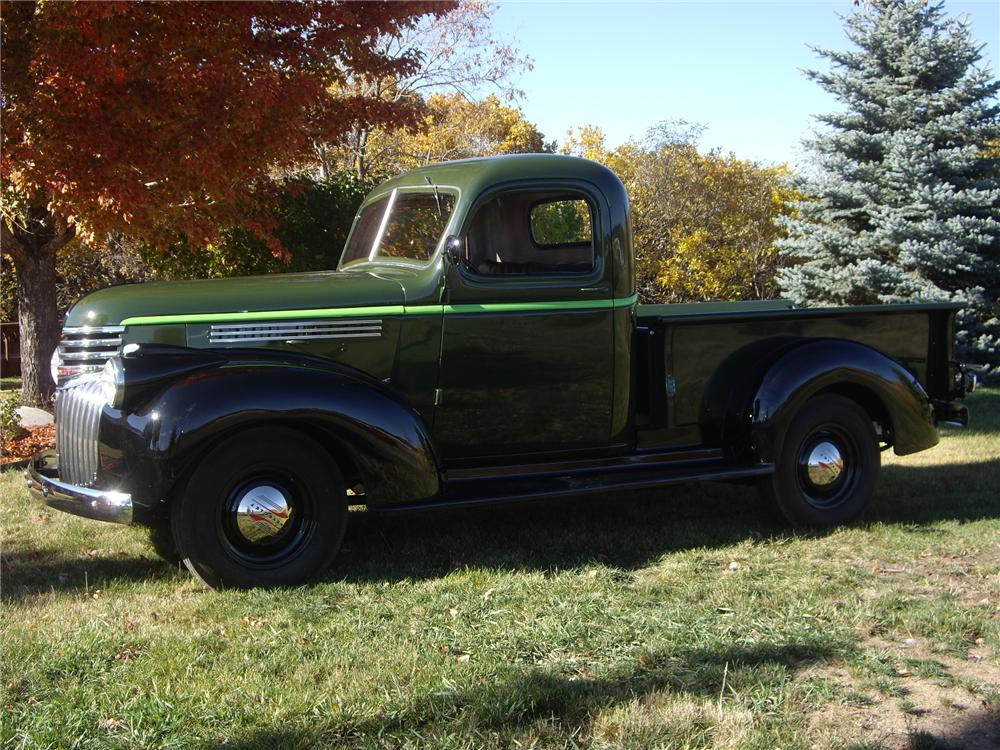 1946 CHEVROLET 1/2 TON PICKUP - Front 3/4 - 138461