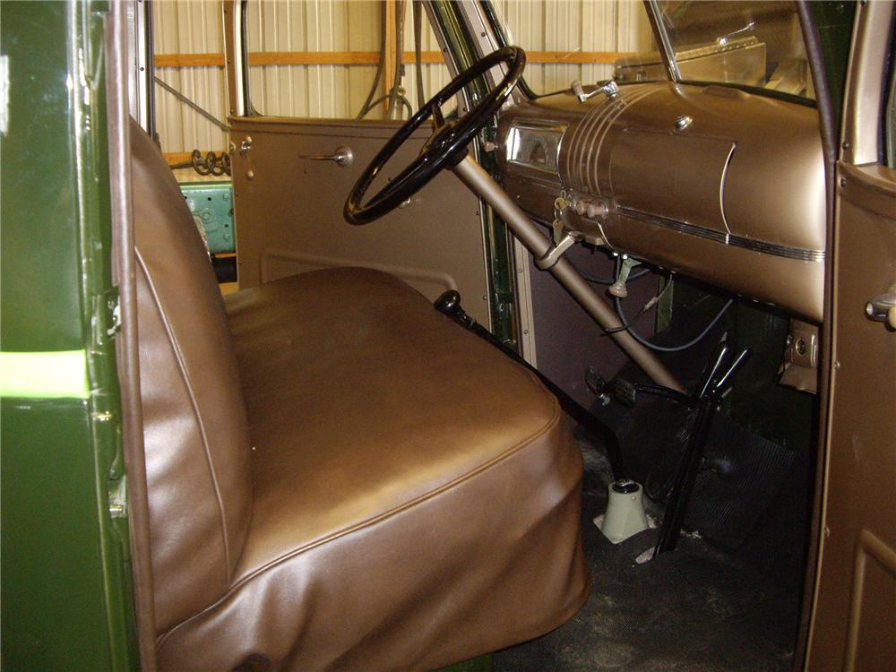 1946 CHEVROLET 1/2 TON PICKUP - Interior - 138461
