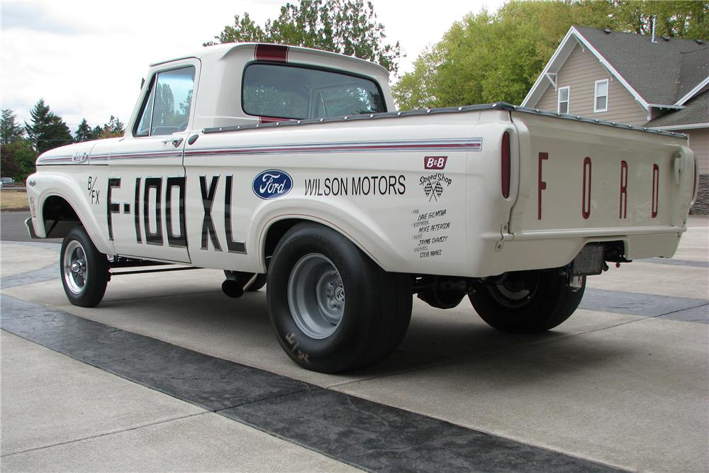 1963 FORD F-100 CUSTOM PICKUP - Rear 3/4 - 138481