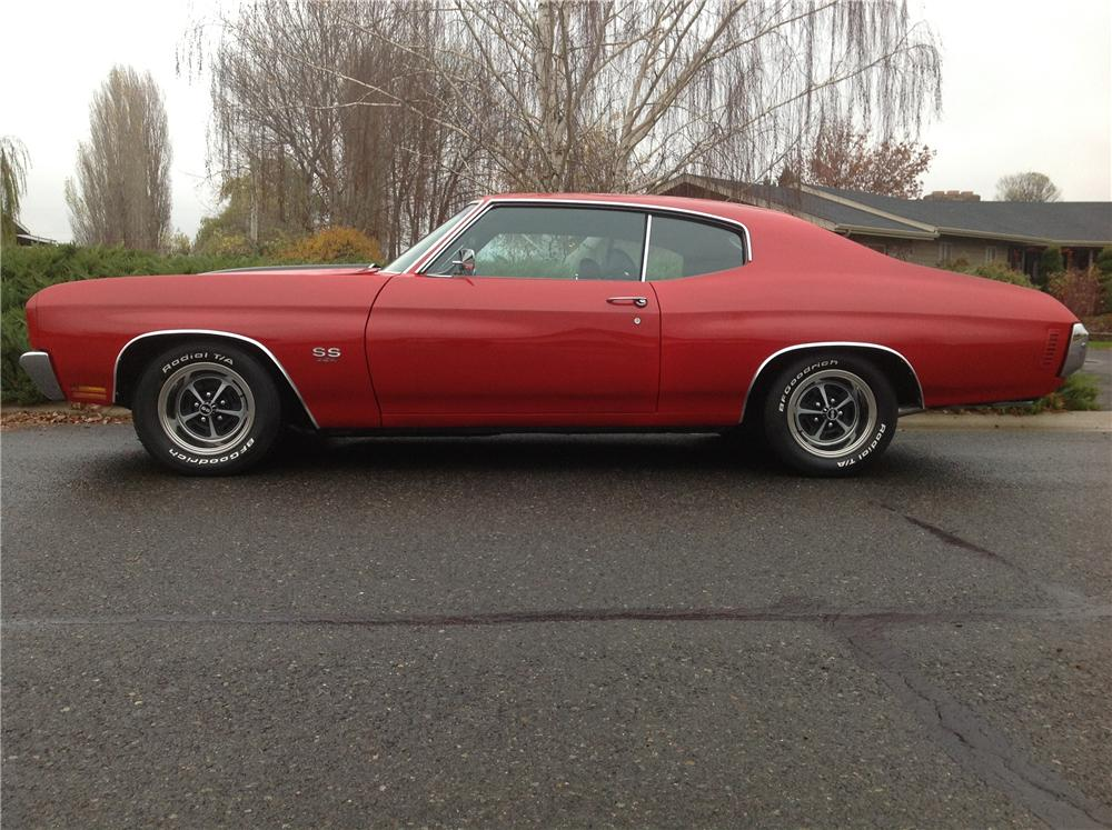 1970 CHEVROLET CHEVELLE CUSTOM 2 DOOR COUPE - Side Profile - 138491