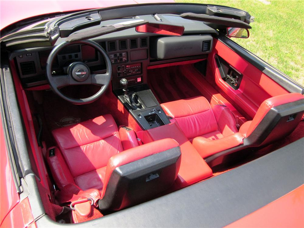 1986 CHEVROLET CORVETTE CONVERTIBLE - Interior - 138503