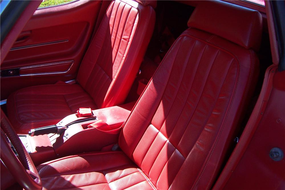 1968 CHEVROLET CORVETTE 2 DOOR COUPE - Interior - 138521