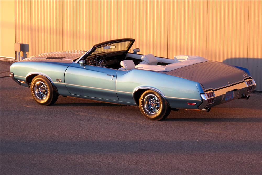 1972 OLDSMOBILE 442 CONVERTIBLE - Rear 3/4 - 138770