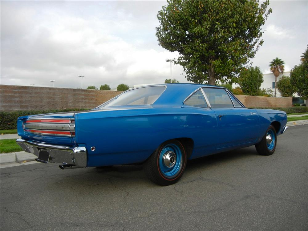 1968 PLYMOUTH HEMI ROAD RUNNER 2 DOOR HARDTOP - Rear 3/4 - 138932