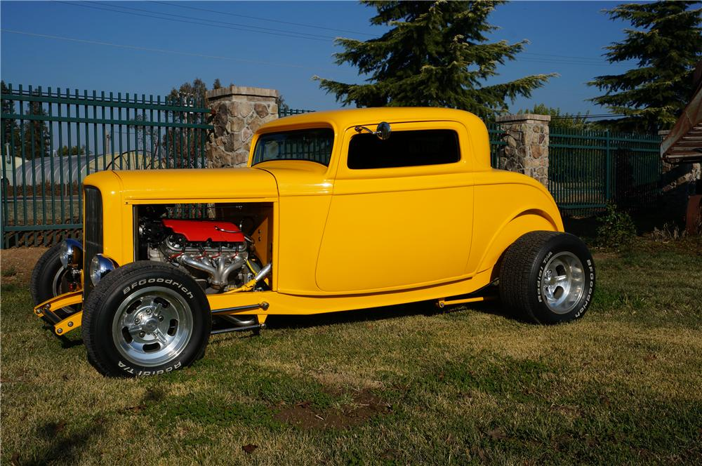 1932 FORD 3 WINDOW CUSTOM COUPE - Front 3/4 - 138947