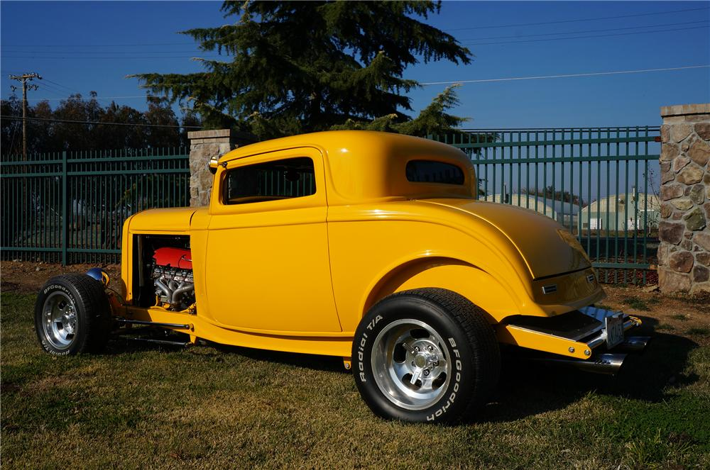 1932 FORD 3 WINDOW CUSTOM COUPE - Rear 3/4 - 138947