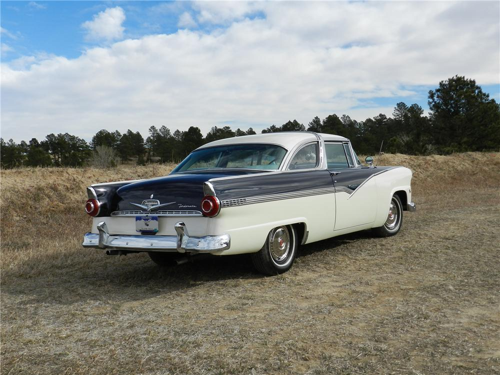 1955 FORD CROWN VICTORIA 2 DOOR HARDTOP - Rear 3/4 - 138963