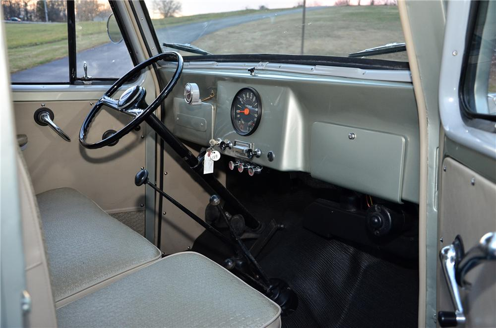 1960 WILLYS JEEP 4 DOOR WAGON - Interior - 138982