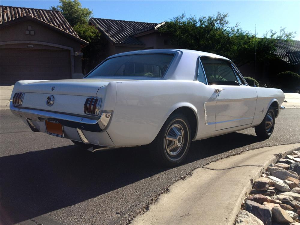 1965 FORD MUSTANG 2 DOOR COUPE - Rear 3/4 - 139011