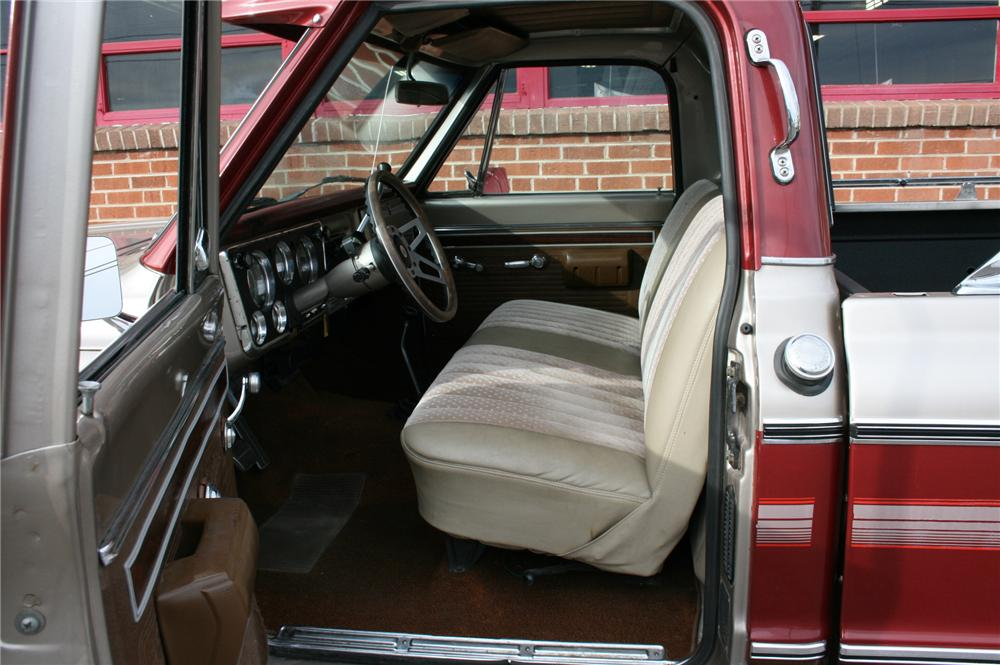 1971 CHEVROLET CHEYENNE PICKUP - Interior - 139021