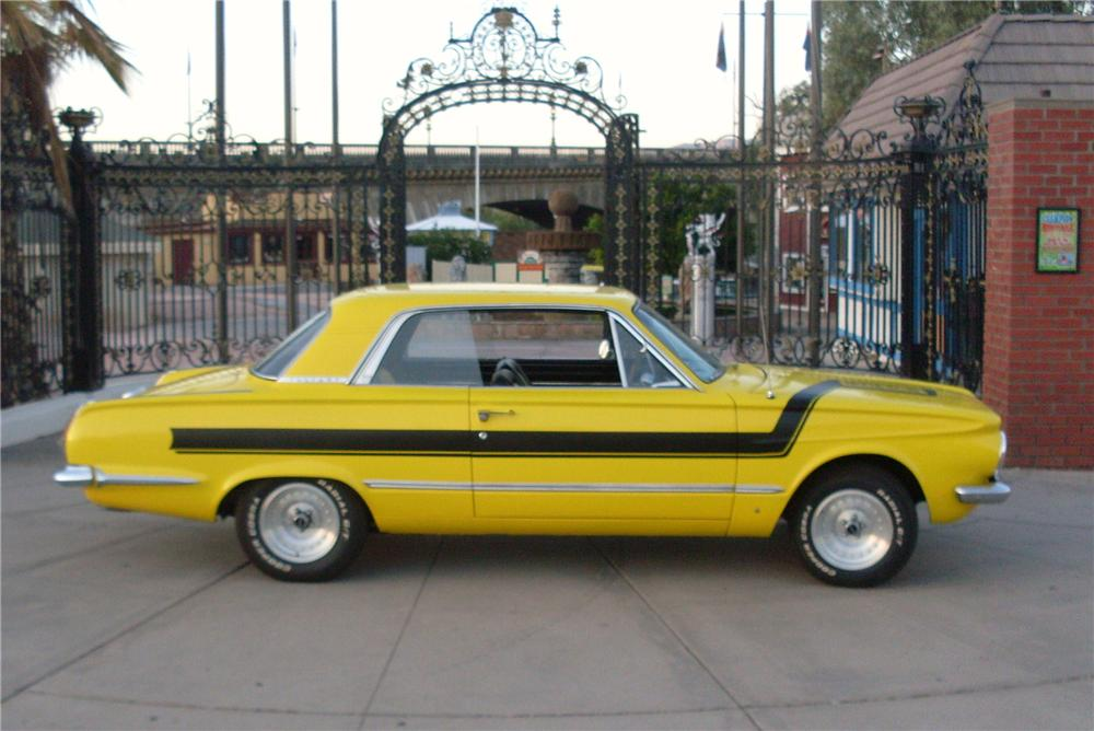 1964 PLYMOUTH VALIANT CUSTOM 2 DOOR - Side Profile - 139028