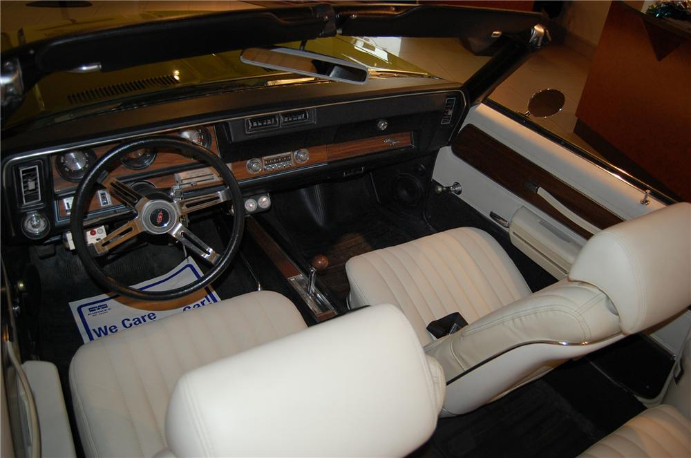 1971 OLDSMOBILE CUTLASS SUPREME CUSTOM CONVERTIBLE - Interior - 139045