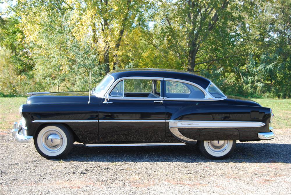 1953 CHEVROLET BEL AIR 2 DOOR SEDAN - Side Profile - 139063