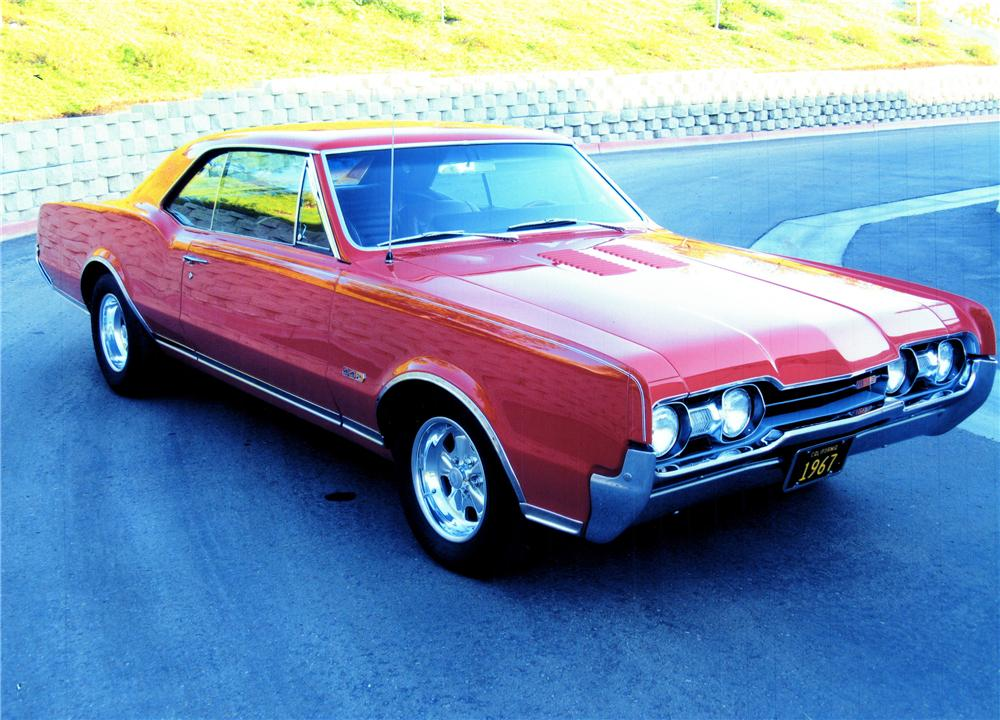 1967 OLDSMOBILE 442 CUSTOM 2 DOOR COUPE - Front 3/4 - 139074