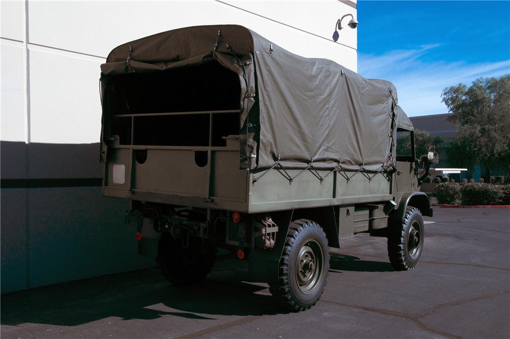 1968 MERCEDES-BENZ UNIMOG TRUCK - Rear 3/4 - 139081