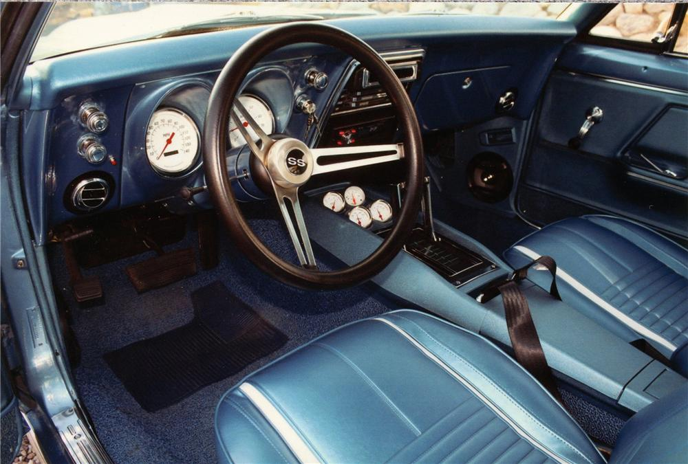 1967 CHEVROLET CAMARO SS CUSTOM COUPE - Interior - 139086