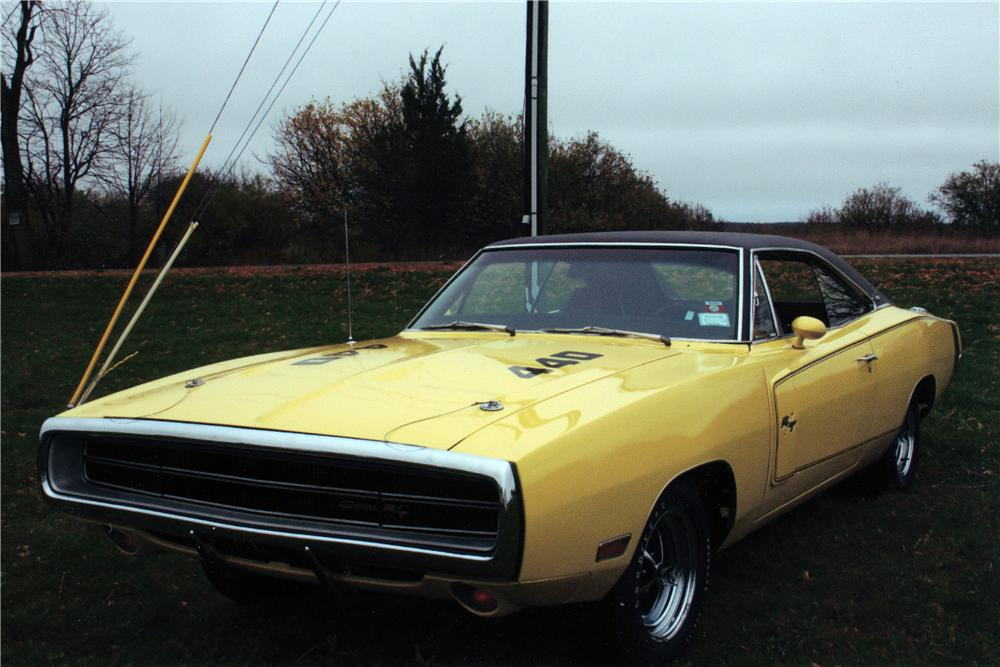 1970 DODGE CHARGER R/T 2 DOOR HARDTOP - Front 3/4 - 139089
