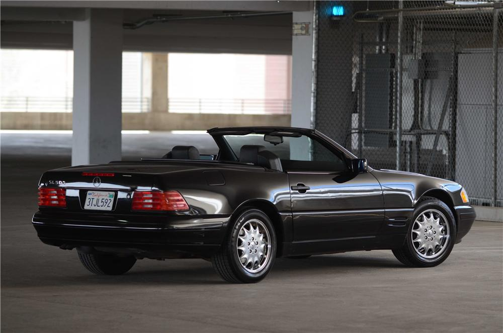 1996 MERCEDES-BENZ SL320 CONVERTIBLE - Rear 3/4 - 139102