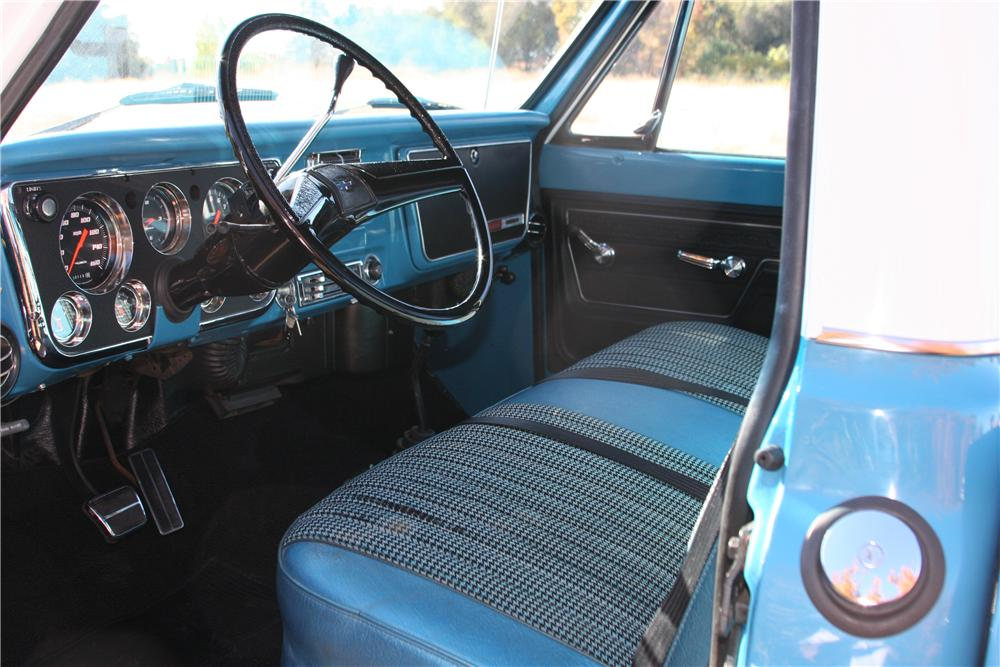 1972 CHEVROLET K-20 CUSTOM PICKUP - Interior - 139110