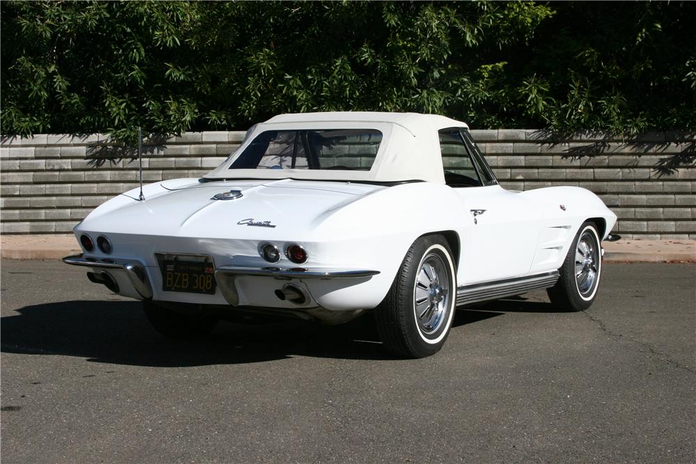 1964 CHEVROLET CORVETTE CONVERTIBLE - Rear 3/4 - 139114