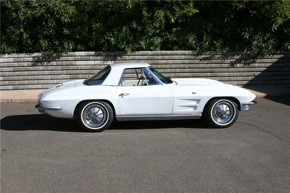 1964 CHEVROLET CORVETTE CONVERTIBLE - Side Profile - 139114
