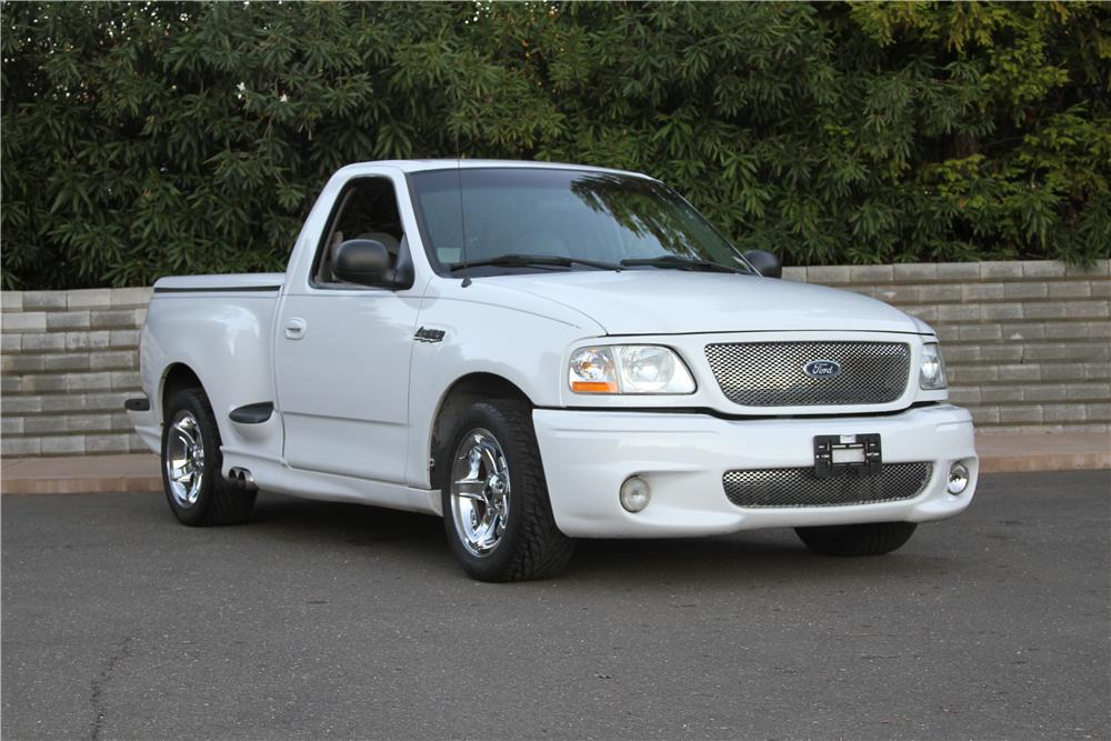 1999 FORD F-150 LIGHTNING PICKUP - Front 3/4 - 139118