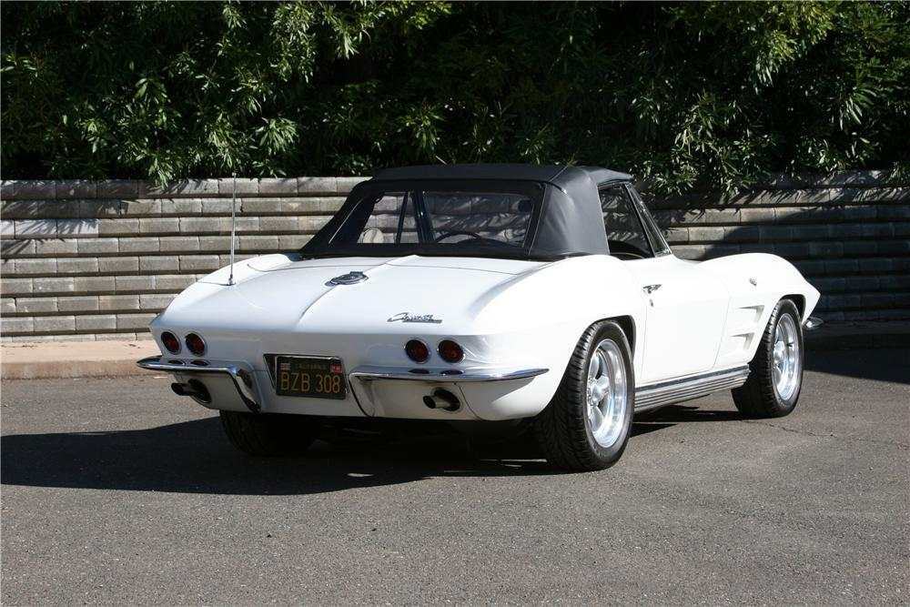 1964 CHEVROLET CORVETTE CUSTOM CONVERTIBLE - Rear 3/4 - 139120
