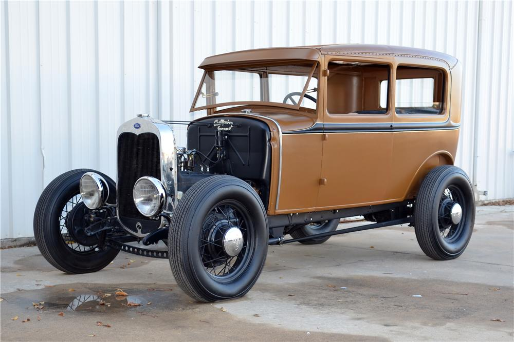1931 FORD MODEL A CUSTOM 2 DOOR SEDAN - Front 3/4 - 139123
