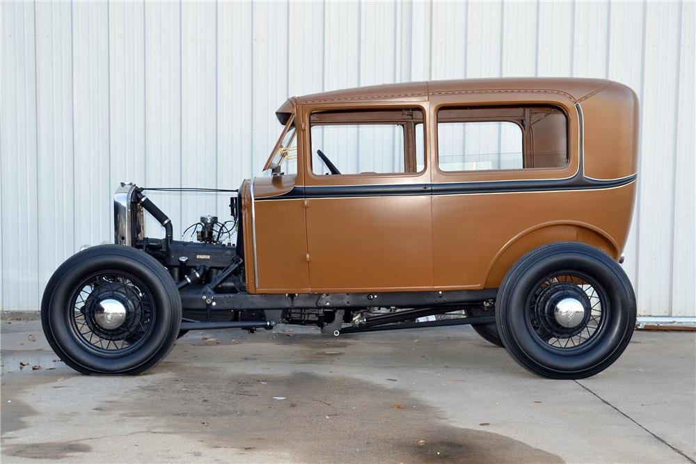 1931 FORD MODEL A CUSTOM 2 DOOR SEDAN - Side Profile - 139123