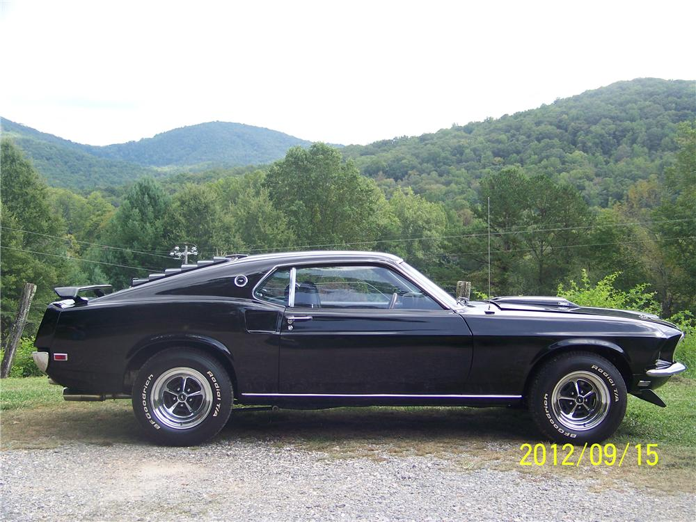 1969 FORD MUSTANG CUSTOM FASTBACK - 139127