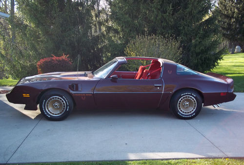 1981 PONTIAC FIREBIRD TRANS AM COUPE - Front 3/4 - 139139