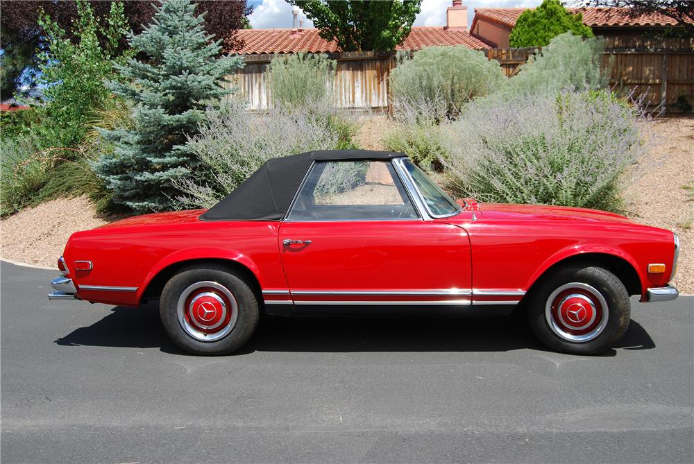 1966 MERCEDES-BENZ 230SL CONVERTIBLE - Side Profile - 139143