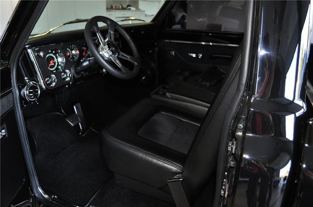 1967 CHEVROLET C-10 CUSTOM PICKUP - Interior - 139152