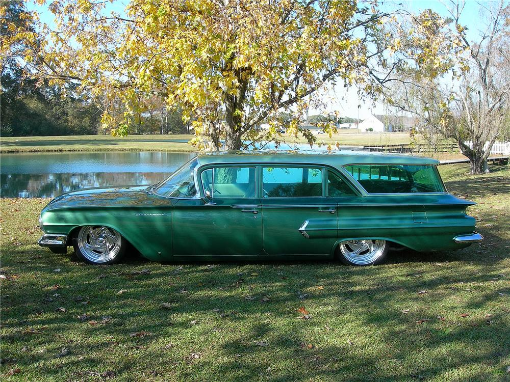 1960 CHEVROLET BROOKWOOD CUSTOM WAGON - Side Profile - 139157