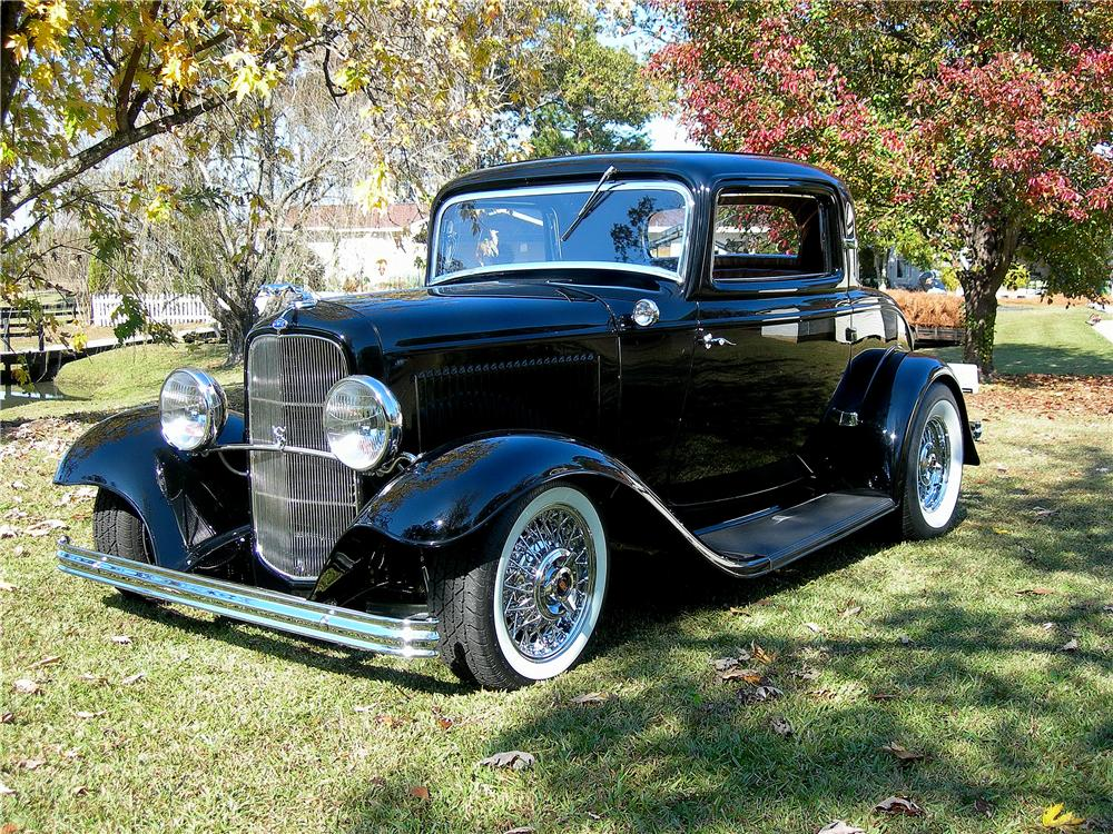1932 FORD 3 WINDOW CUSTOM COUPE - Front 3/4 - 139163