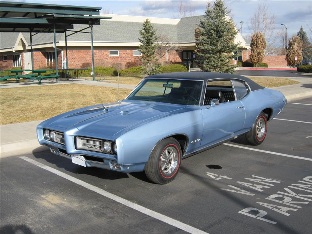 1969 PONTIAC GTO 2 DOOR COUPE - Front 3/4 - 139173