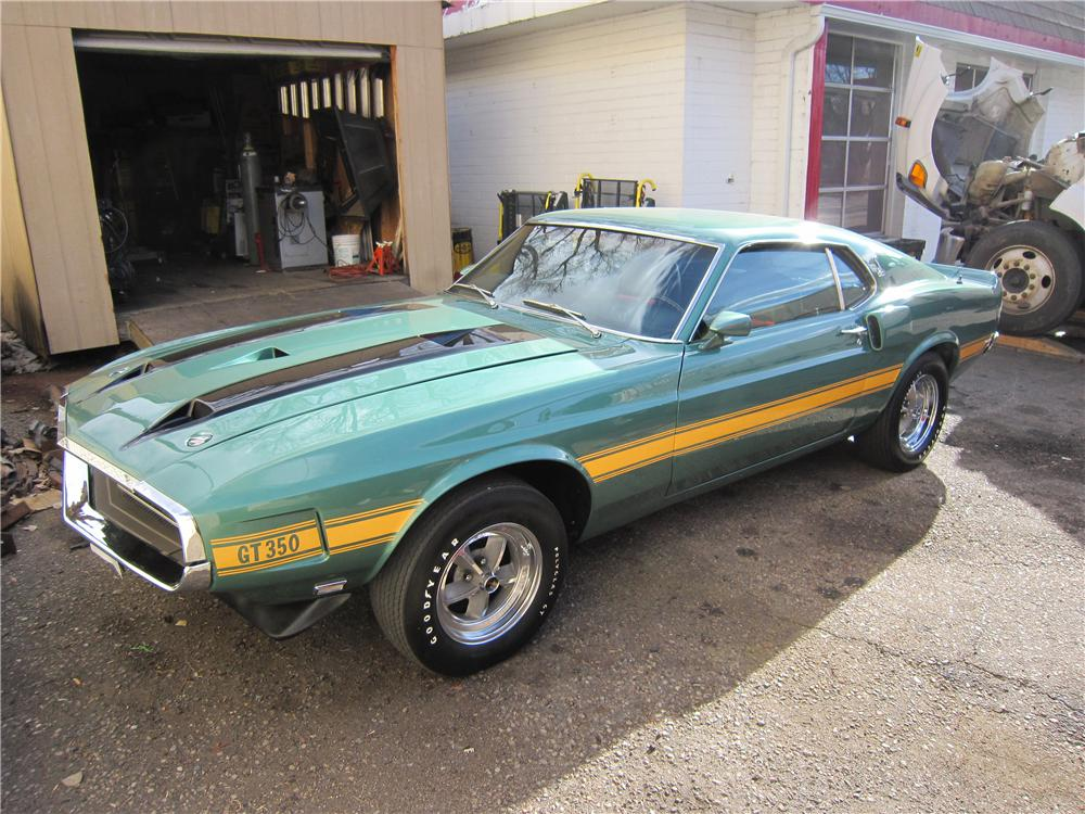 1970 SHELBY GT350 FASTBACK - Front 3/4 - 139175