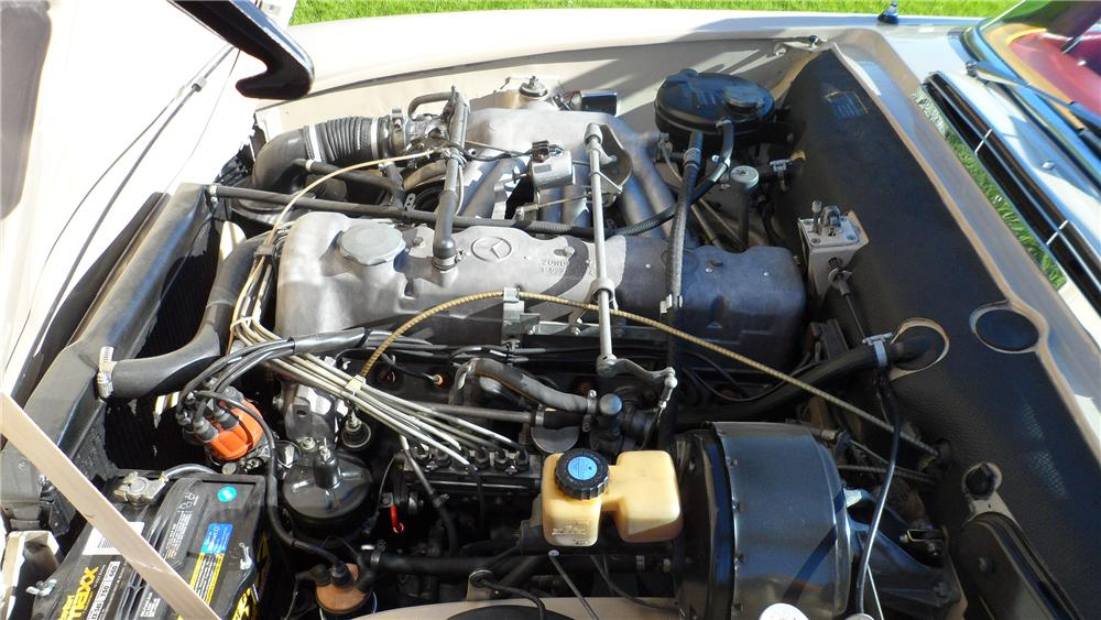 1967 MERCEDES-BENZ 230 ROADSTER - Engine - 139177