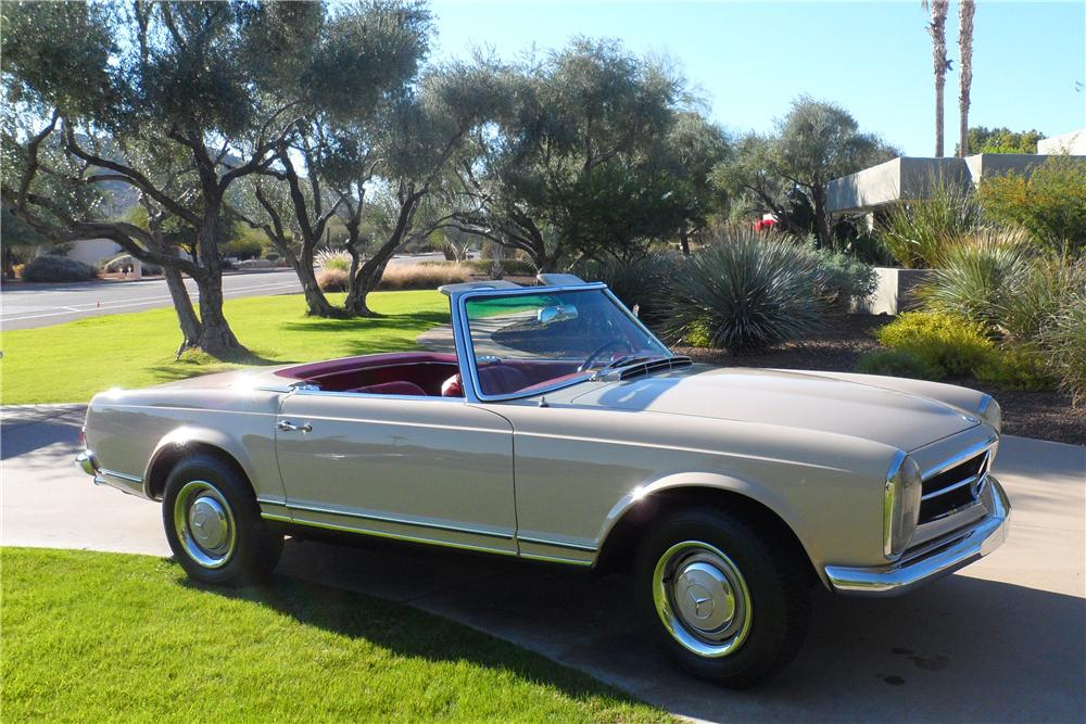 1967 MERCEDES-BENZ 230 ROADSTER - Front 3/4 - 139177
