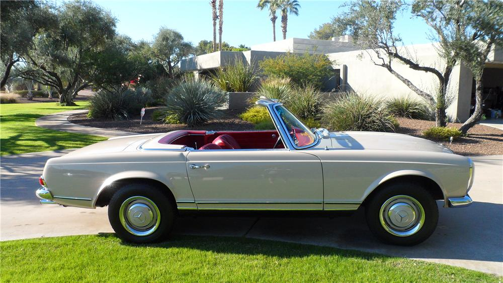 1967 MERCEDES-BENZ 230 ROADSTER - Side Profile - 139177
