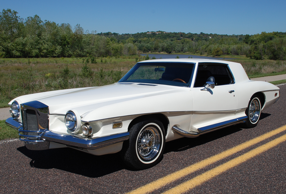1972 STUTZ BLACK HAWK 2 DOOR COUPE - Front 3/4 - 139243