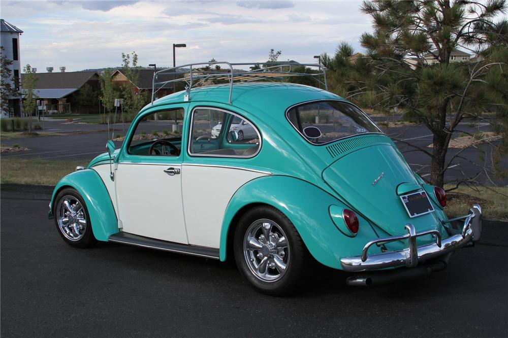 1965 VOLKSWAGEN BEETLE CUSTOM 2 DOOR HARDTOP - Rear 3/4 - 139250
