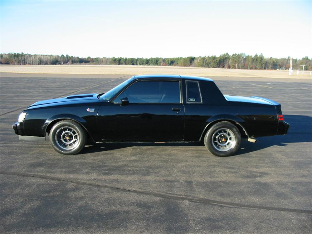 1987 buick grand national 2 door coupe 139261. Black Bedroom Furniture Sets. Home Design Ideas