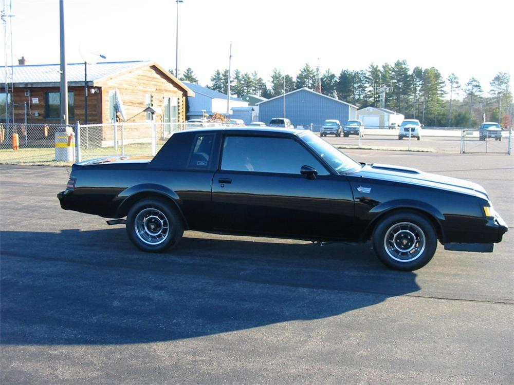 1987 BUICK GRAND NATIONAL 2 DOOR COUPE - Side Profile - 139261