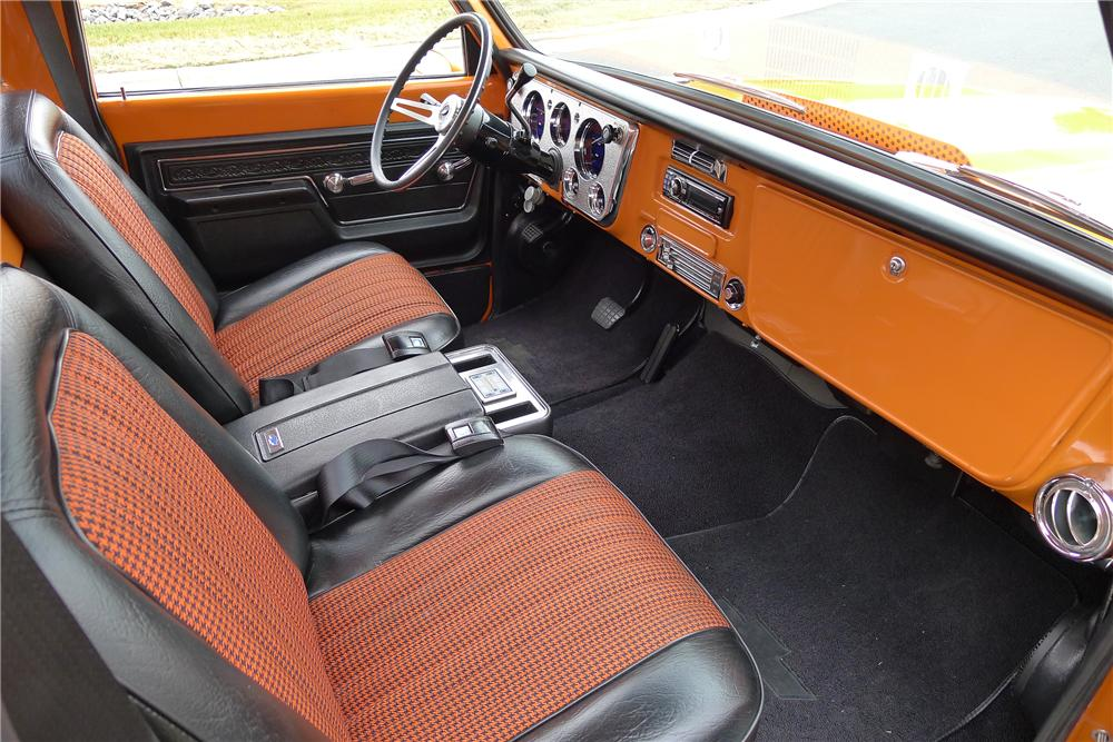 1972 CHEVROLET SUPER CHEYENNE CUSTOM PICKUP - Interior - 139290