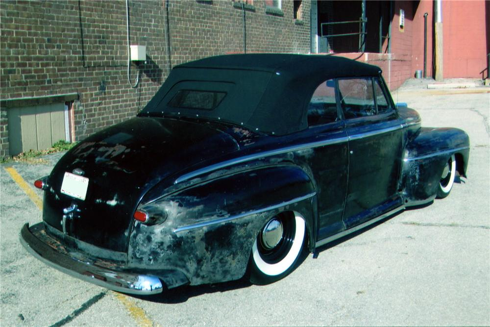 1947 FORD CUSTOM CONVERTIBLE - Rear 3/4 - 139295