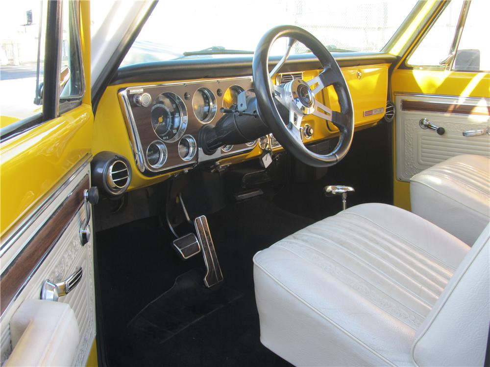 1972 CHEVROLET CHEYENNE CUSTOM PICKUP - Interior - 139345
