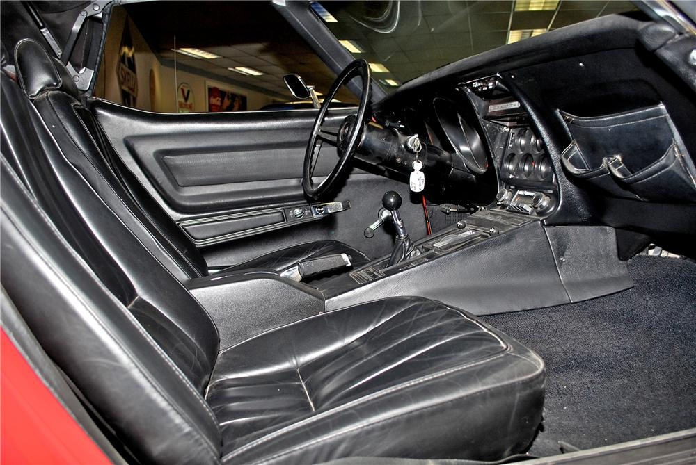1969 CHEVROLET CORVETTE CONVERTIBLE - Interior - 139381
