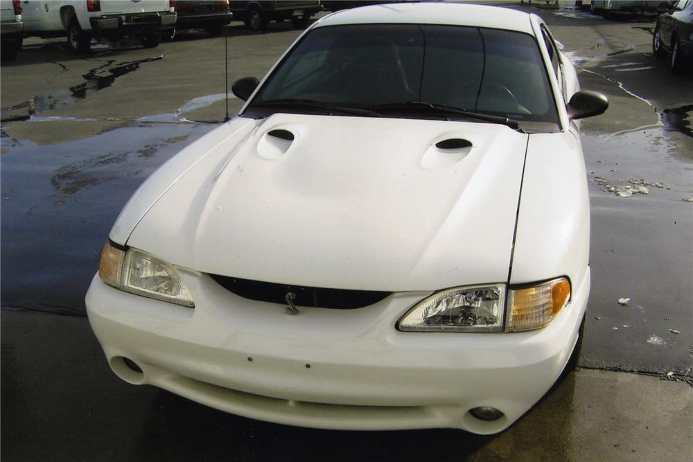1998 FORD MUSTANG COBRA SVT 2 DOOR COUPE - Front 3/4 - 139386